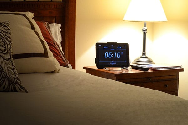 ipad-tablet-stand-for-bed