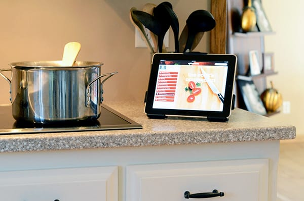 ipad-tablet-mount-stand-kitchen-cooking