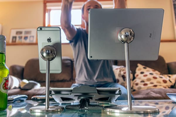 Universal phone and tablet mounts